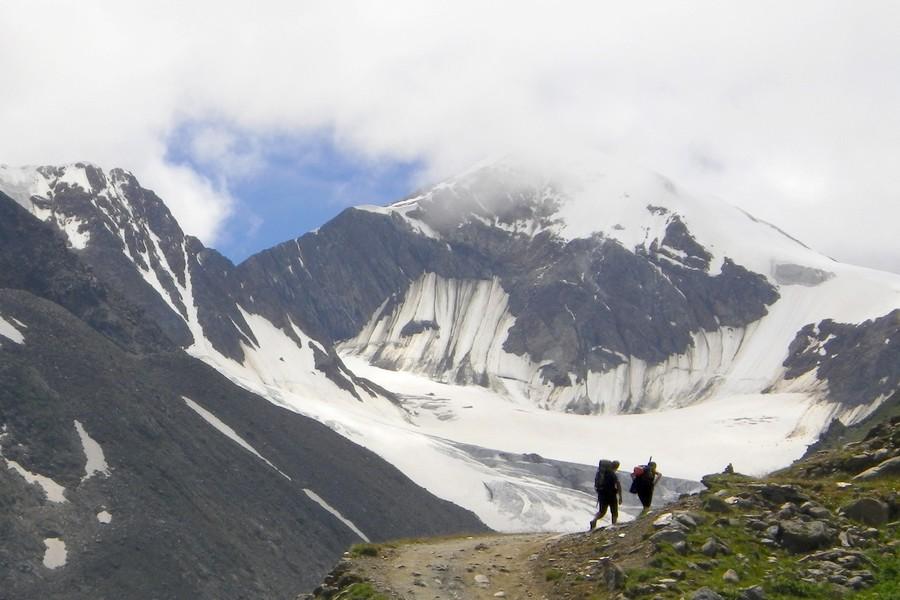 Ötztalske-alpy-similaun-3606m-cez-dolinu-niedertal